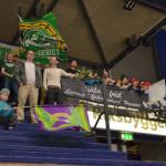 Ståplatsgänget på plats i arenan för att stötta FBKJ20. Bryggeriet tog initiativet till samling för att stötta laget på ståplats, och kvartfinal 2 hade därför en betydligt större publik än vad killarna är vana vid: 872 stycken! Foto: Robin Angle/fbkbloggen