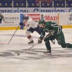 Spelvändning under spel i numerärt underläge när Johan Olofsson blixtsnabbt vänder spelet… Foto: Robin Angle/fbkbloggen