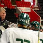 Coach Thomas Fröberg är inte nöjd med spelet när han tar time out tidigt under andra perioden. Foto: Joakim Angle/fbkbloggen
