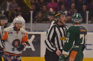 Christian Berglund fick 5+game för en highsticking i slutskedet av matchen. Foto: Robin Angle/fbkbloggen