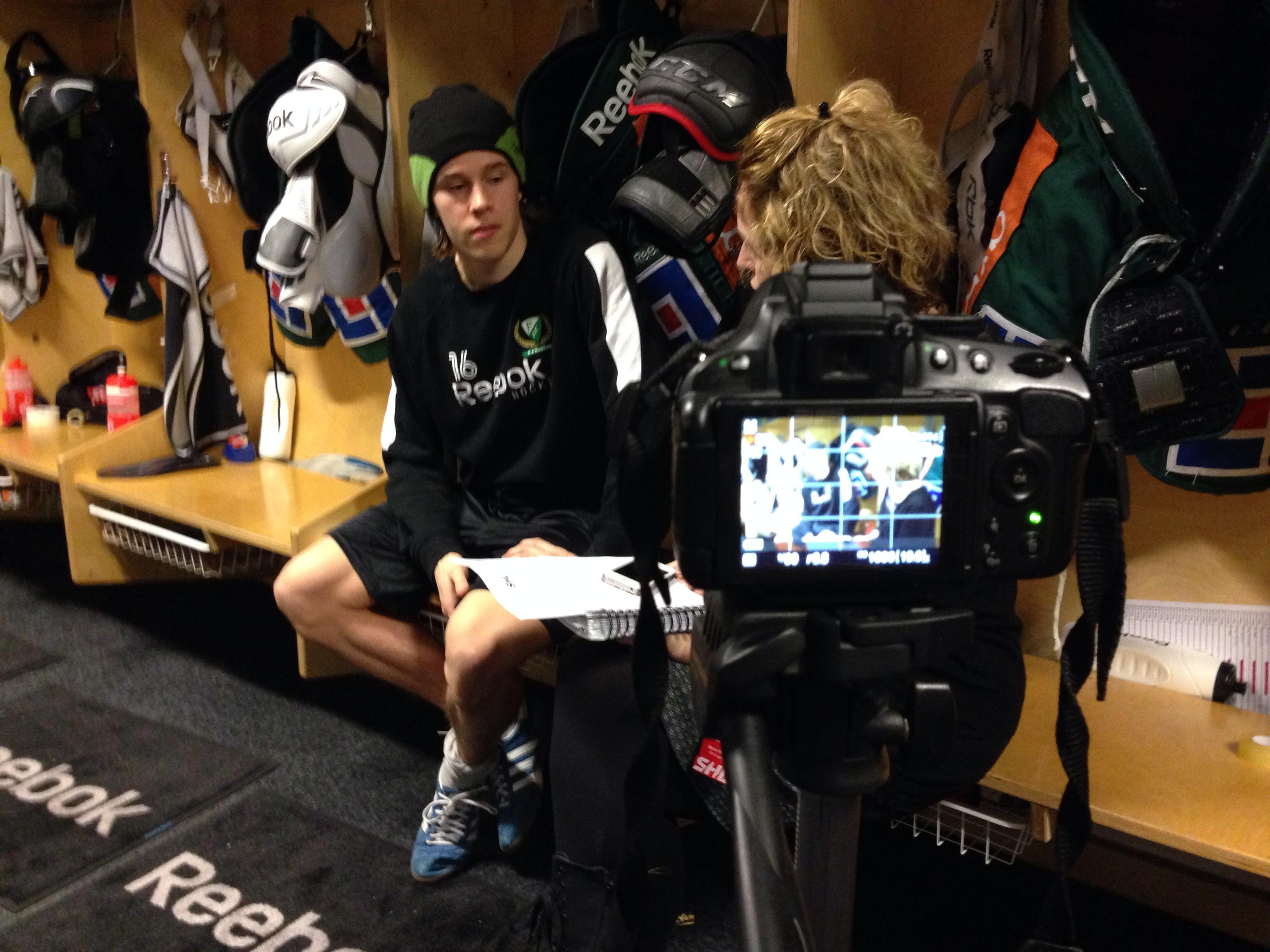 Intervju med Joakim Nygård. Semifinal 6 Färjestad-Växjö 11 april 2014. Foto: Magnus Sjöberg/fbkbloggen