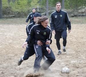 """Fotboll är Nygårds favorit. Men han anser inte att """"de äldre"""" lever upp till sina segrar... Foto: Robin Angle/fbkbloggen"""