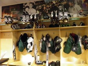 Ordning och reda hemma i omklädningsrummet i  Löfbergs Arena. Foto: Robin Angle/fbkbloggen