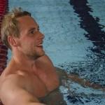 Per Åslund under ett av sommarens mer oortodoxa träningspass: i simbassängen. Foto: Robin Angle/fbkbloggen
