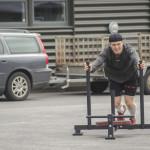 Crossfit består av en mängd olika övningar som tränar såväl styrka som uthållighet och som inkluderar hela kroppen. Jobbigt men effektivt.