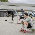 Parvis träning: spelarna turas om med att köra redskap och vila. Här Johan Olofssons tur att vila.
