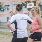 FBK Dam:s Alexandra Skoog och Frida Andersson lägger upp taktiken