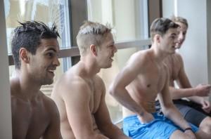 Oliver Kylington, Joakim Hillding, Ludwig Byström och Per Åslund gillar inte att simma... Foto: Robin Angle/fbkbloggen