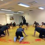 Brottning tränar bland annat smidighet, och coach Hofmann satte sina adepter på hårda prov...