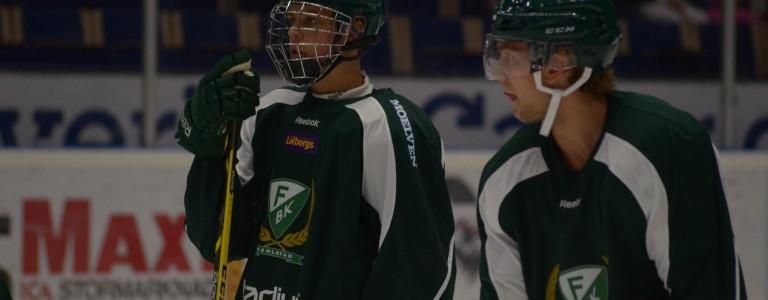17-årige Joel Eriksson Ek har tränat med laget en del under sommaren, och var en av matchens målskyttar Foto: Joakim Angle/fbkbloggen