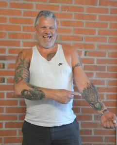 Torsten Mårtensson hyllar Färjestad genom tatueringar - den på Jonas Gustavsson var det första spelarporträttet Foto: Joakim Angle/fbkbloggen
