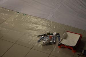 Skissen är klar och linjerna markerade med tusch på duken. Dags att börja måla! Foto: Joakim Angle/fbkbloggen
