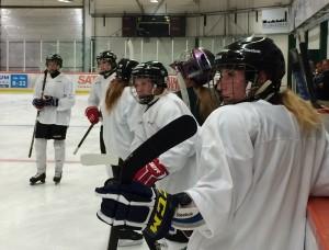 Tilda Antonsson, närmast kameran, kommer att få en viktig roll i laget i år Foto: Marie Angle/fbkbloggen