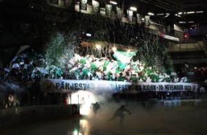 En magisk kväll i Löfbergs Arena - Jubileumsmatchen. Blir det en liknande underbar stämning i kvällens efterlängtade SHL-hemmapremiär?  Foto: Daniel Briander