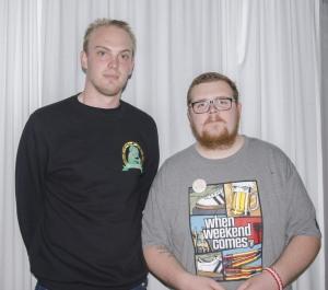 Magnus Karlsson och Sebastian Helldin är två av medlemmarna i Tifogruppen Foto: Robin Angle/fbkbloggen