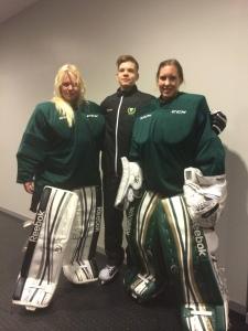 En framgångsrik trio! Jiglind tillsammans med kollegan Linda Glädt och målvaktstränande sambon Jonathan Höjd. Foto: Marie Angle/fbkbloggen