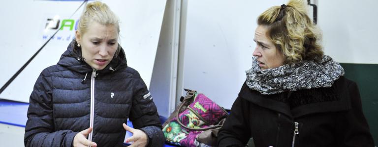Tilda Antonsson berättar om smällen som har hållit henne borta från hockeyn under större delen av hösten. Foto: Simone Syversson, Enomis