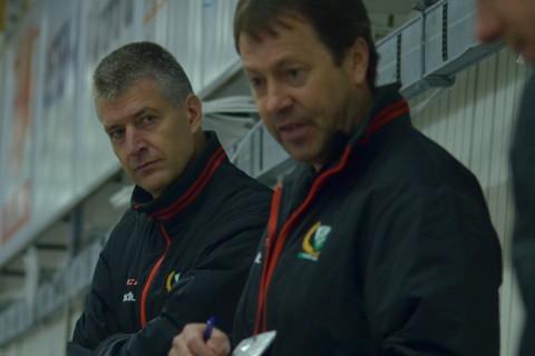 Head coach Staffan Lundh och hans assisterande, Lars Karlsson och Andreas Dahlström, fortsätter att leverera lirare till A-laget Victor Ejdsell är en av dem! Foto: Joakim Angle/fbkbloggen