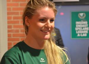 Julia Pettersson, historisk som förste tjej att få spela med killarna i Färjestad och dessutom en av de vassaste i laget under helgens matcher. Foto: Joakim Angle/fbkbloggen