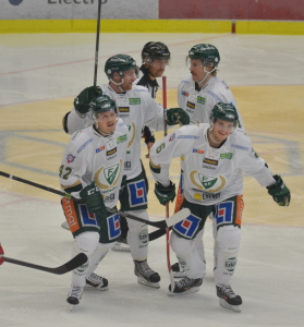 MÅÅL! Byström gör matchvinnande 2-1 i tredje perioden Foto: Joakim Angle/fbkbloggen