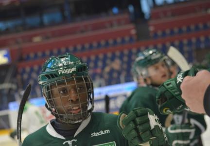 Hugo Enock är en av lagets yngre lirare, och en intressant back att hålla ögonen på framöver! Foto: Joakim Angle/fbkbloggen