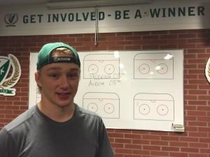 """""""Get involved - be a winner"""" lyder texten på väggen i omklädningsrummet. Rasmus Asplund har anammat talesättet! Foto: Marie Angle/fbkbloggen"""