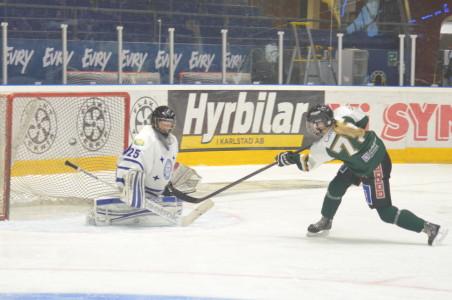 FBK hade bud på fler mål, bland annat var Julia Pettersson nära ögat med en stolpträff Foto: Joakim Angle/fbkbloggen
