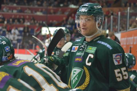 Kapten Tolle leder laget - och gör mål för andra matchen i rad! Foto: Joakim Angle/fbkbloggen