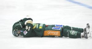 Ajaj, Jensen fick en smäll mot munnen i matchen mot Frölunda och tvingades till vila i  matchen mot Leksand Foto: Robin Angle/fbkbloggen