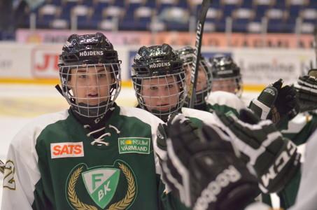 Emelie Johansson, ledare av Division 1 Västs mål- och poängliga trummar på:  tre mål och två assist blev det i lördagens match