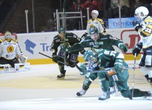 Lycklig Anton Grundel efter säsongens första mål Foto: Robin Angle/fbkbloggen