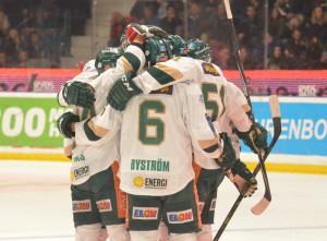 Tillbaka på det vinnande spåret, trots en inte helt lyckad match!  Foto: Joakim Angle/fbkbloggen