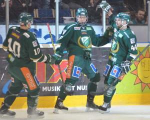 Joel firar sitt snygga och viktiga 1-0-mål! Hockeygodis! Foto: Joakim Angle/fbkbloggen