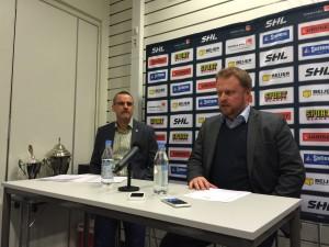 Tommy Samuelsson och Frölundas Klas Östman på presskonferensen efter matchen Foto: Marie Angle/fbkbloggen