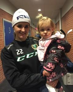 Emelie Johansson, här med dottern Leia, fortsätter att producera poäng! Foto: Marie Angle/fbkbloggen