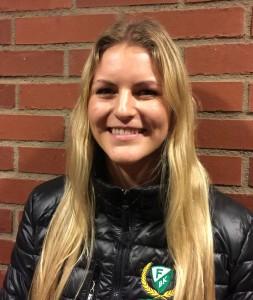 Centern Julia Pettersson får beröm av Kecke efter lördagens inhopp på backplats. Foto: Marie Angle/fbkbloggen