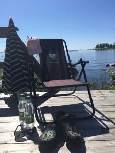 Jodå, Färjestad är med mig även när jag slappar på bryggan... Foto: Marie Angle/fbkbloggen