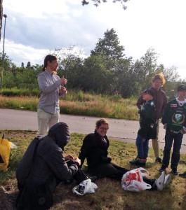 Hockeysnack, grill och  Färjestadsmusik med Klarälven som fond - bättre laddning kan man knappast få!