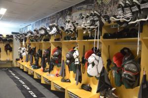 Äntligen dags! A-lagets omklädningsrum är åter bemannat! Foto: Joakim Angle/fbkbloggen