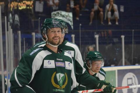 Walle må inte längre ha den högprofilerade roll han tidigare hade utåt, men är otroligt viktig för laget i sin nya roll! Foto: Joakim Angle/fbkbloggen