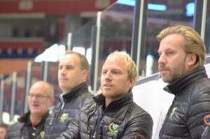 Tränartrojkan  med Kecke, Anton och Lais fortsätter att göra ett strålande jobb med Färjestads damlag! Foto: Joakim Angle/fbkbloggen