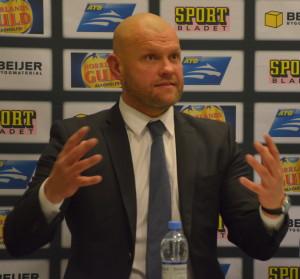 Andreas Johansson är alltid en fröjd att lyssna till på presskonferenserna - passionerad, uttrycksfull och alltid med glimten i ögat Foto: Joakim Angle/fkbloggen
