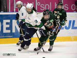 Sara Kask i kamp med Sandvikens Elin Öhrner Foto: Simone Syversson, Enomis